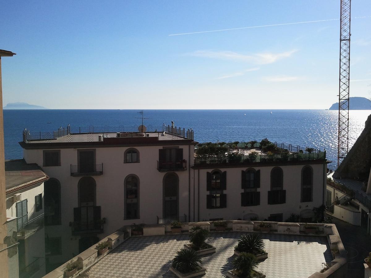 Sea and silence apartment