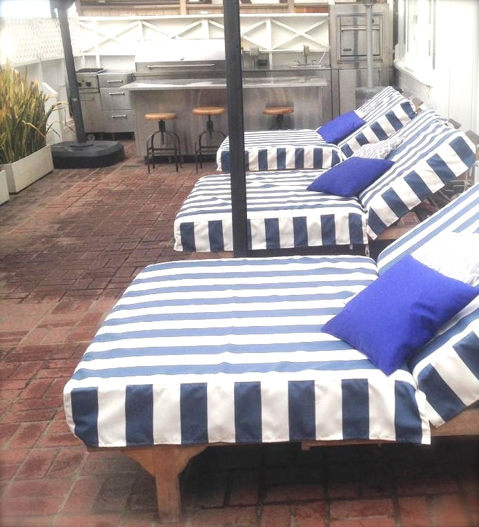 LOUNGE CHAIRS ON PATIO (SHARED)