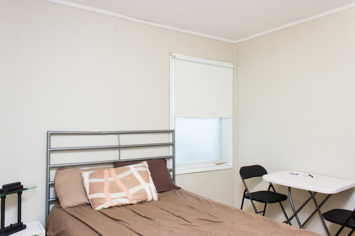 Bright Double Room with Breakfast