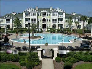 Condo w/pool&gym! Middle of Mt P!