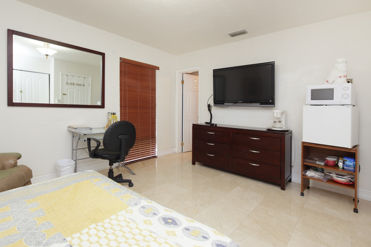 Master-bedroom w/ private entrance