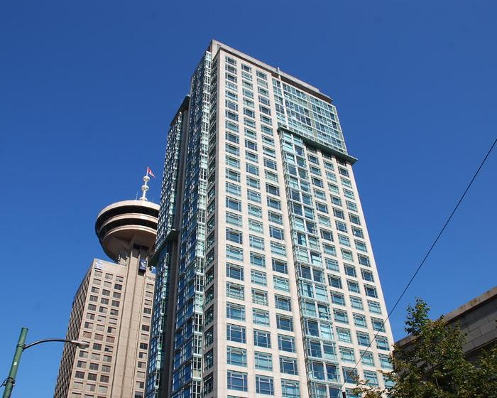 Modern Condo in Downtown Vancouver