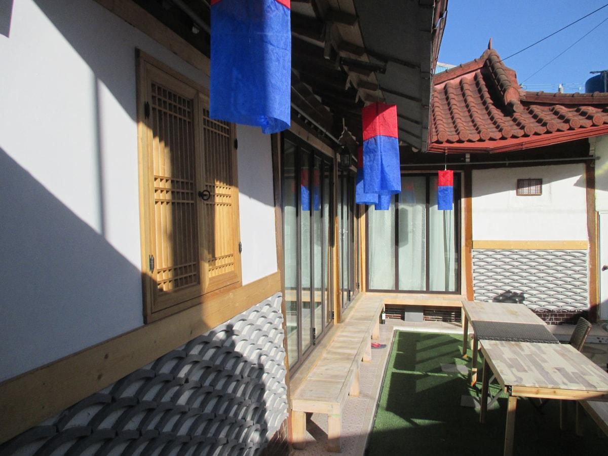 Private Hannok Stay, Romantic Mokpo