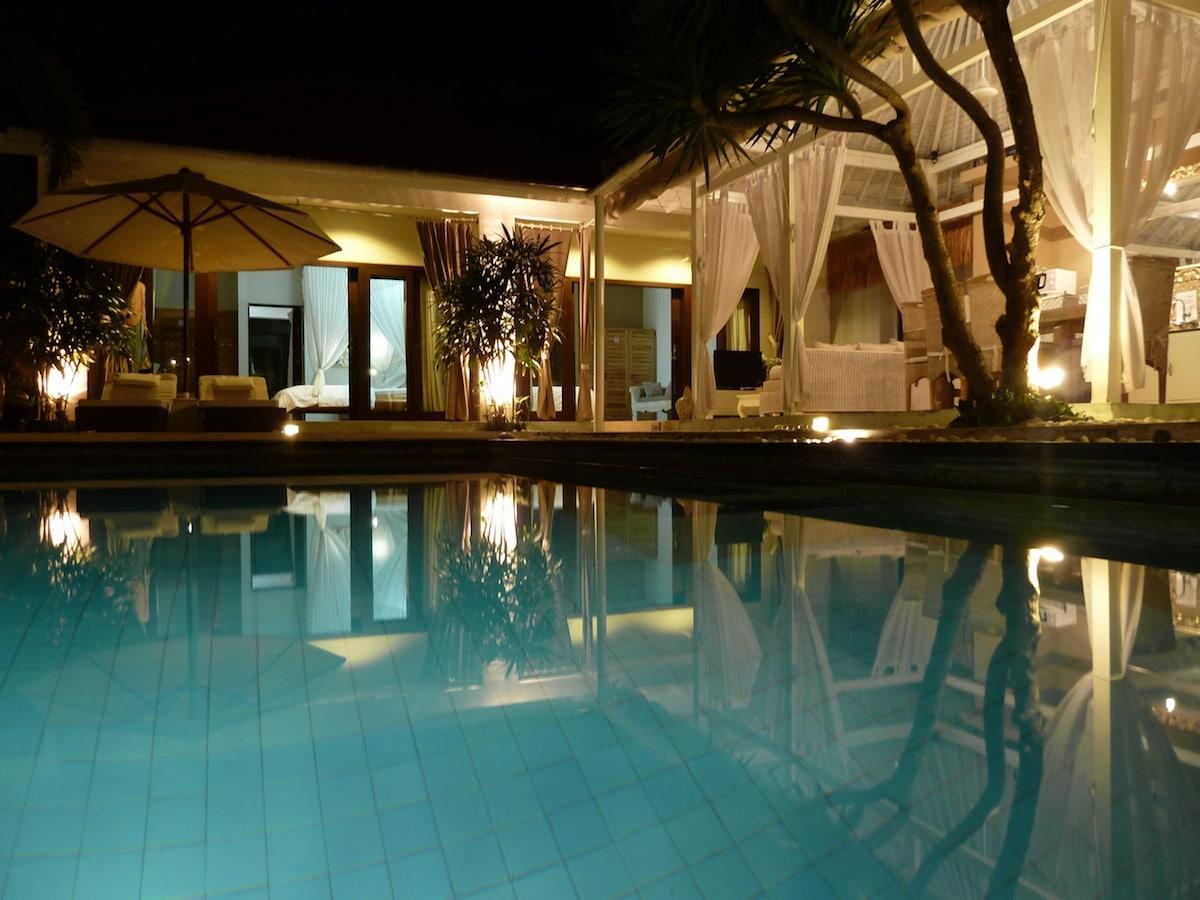 Bali Seminyak Villa pool 3 bdrs