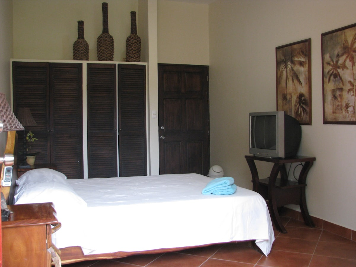 Resort Room with Queen bed