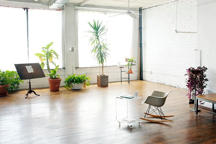 Large sunny front area with furniture removed