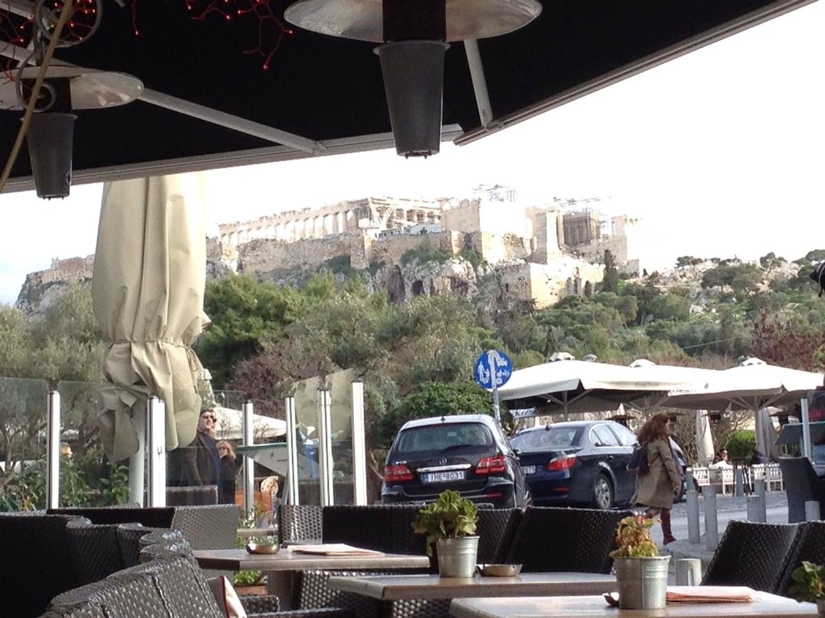 Acropolis, 5 min walk, bargain