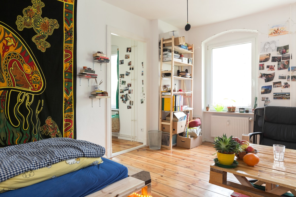 Relaxed upcycling flat in Neukölln