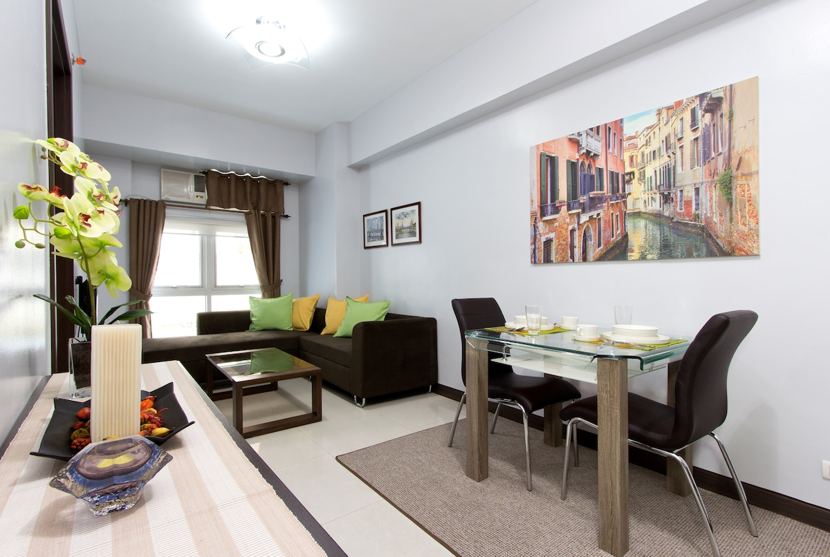 A Quiet Suite in Exciting Eastwood