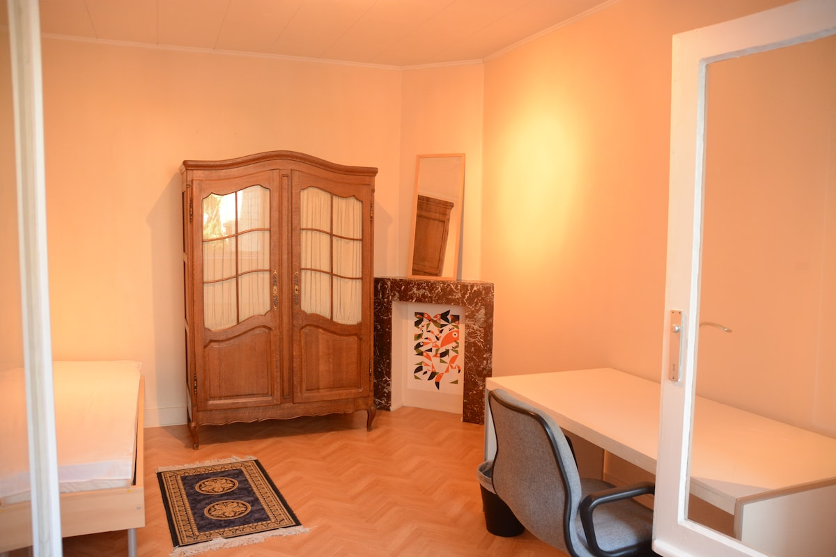 1 room in shared apartment