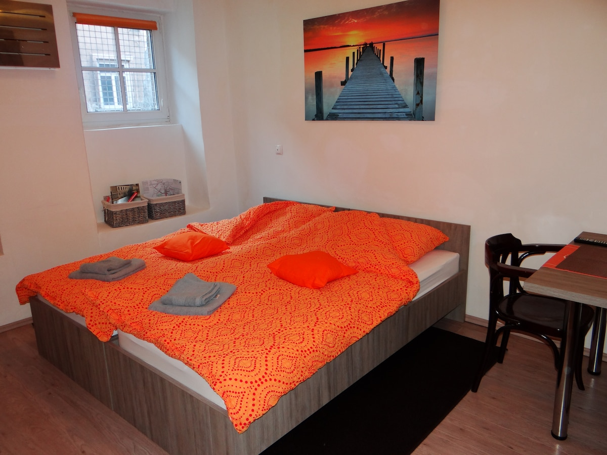 Orange Apartment  in FABRKA