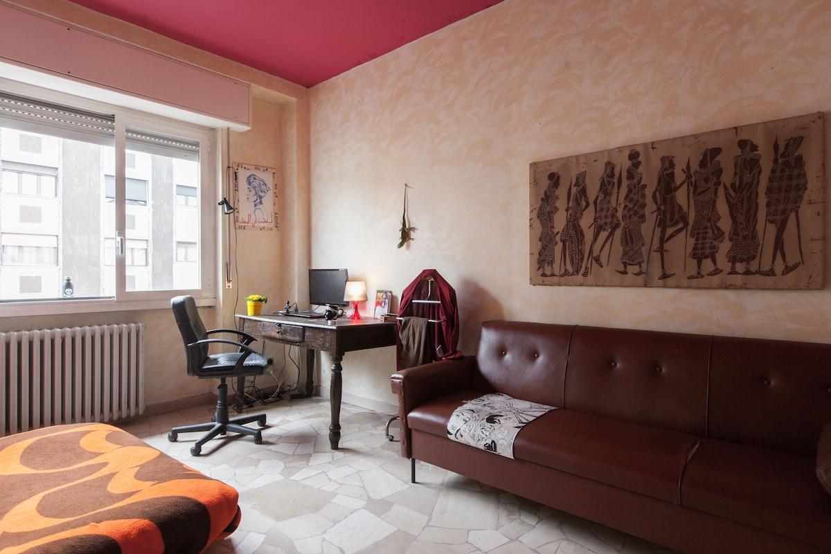 Warm vibes room 15 min by Navigli