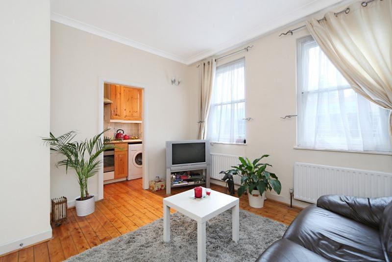 One bedroom flat in Clapham Common