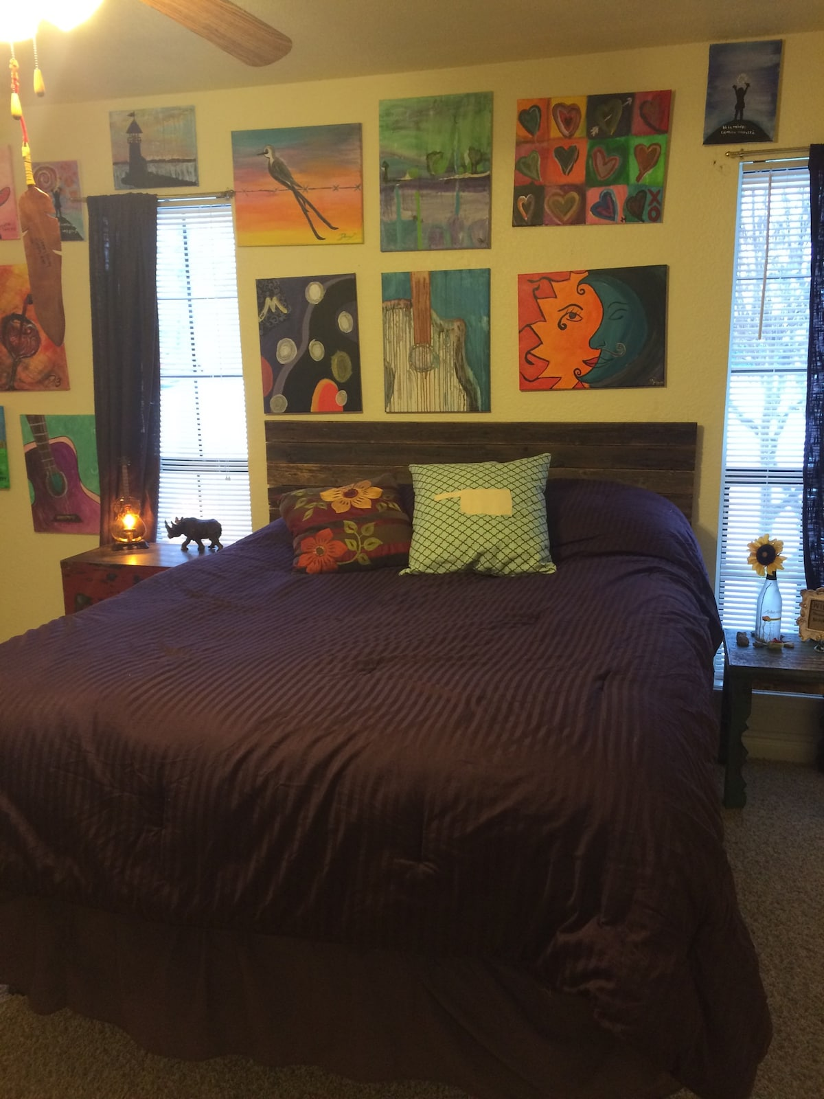 Colorful, artistic 1BR
