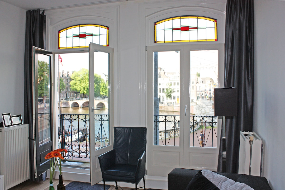 Canalview Hermitage Apartment