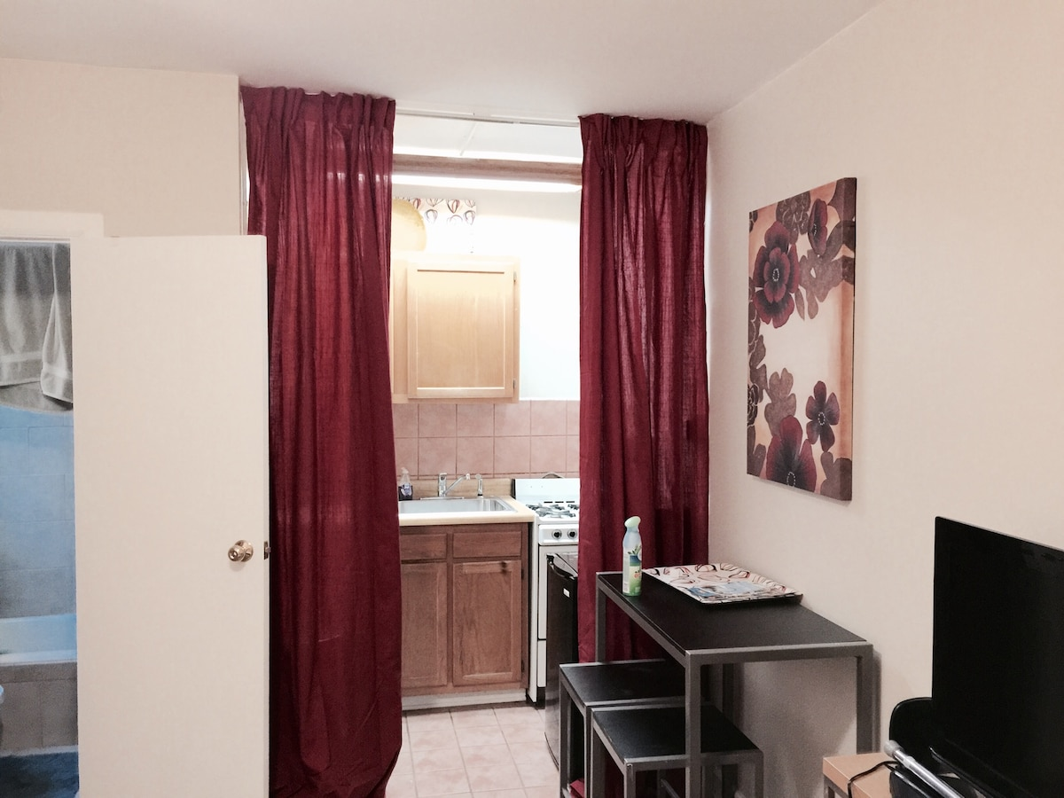 Boystown Studio, Outstanding Value!