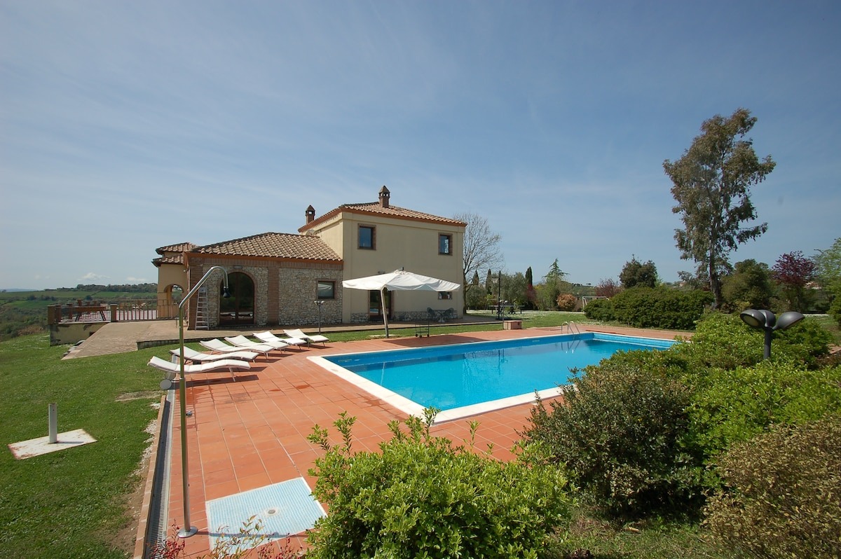 Splendida Villa Umbra con piscina