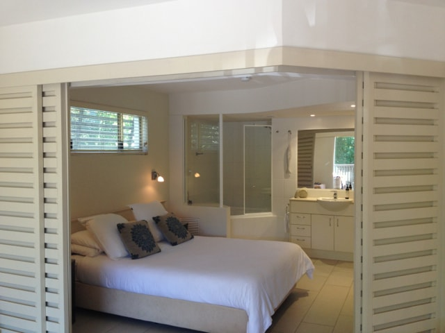 Noosa Beach apartment on Hasting St
