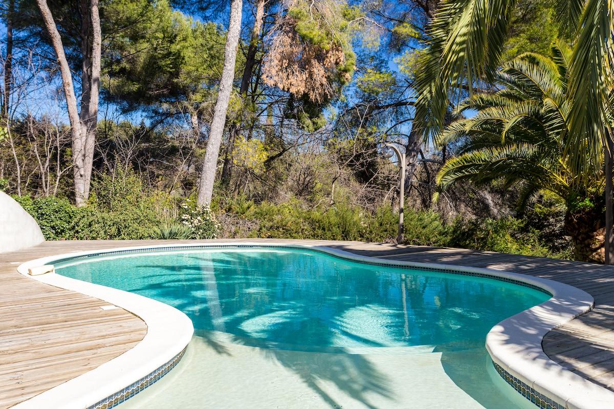 Rez de jardin villa avec piscine