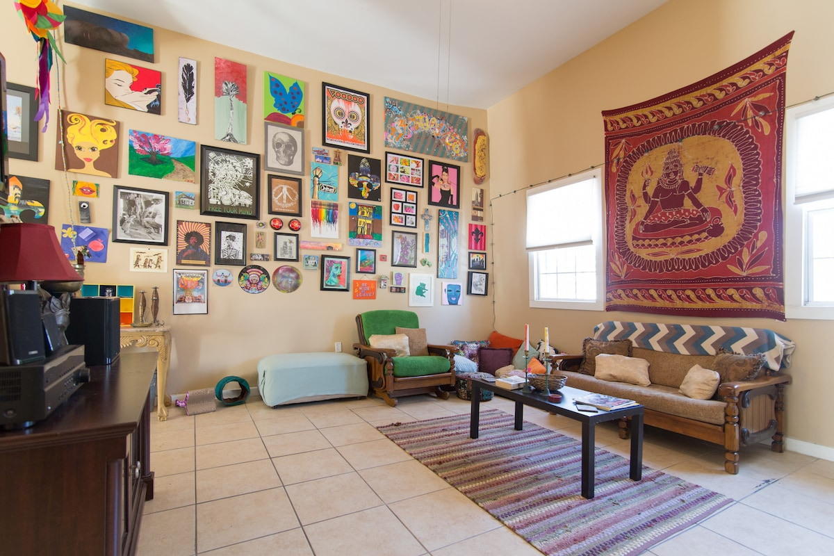 Cozy Art House in Historic Treme