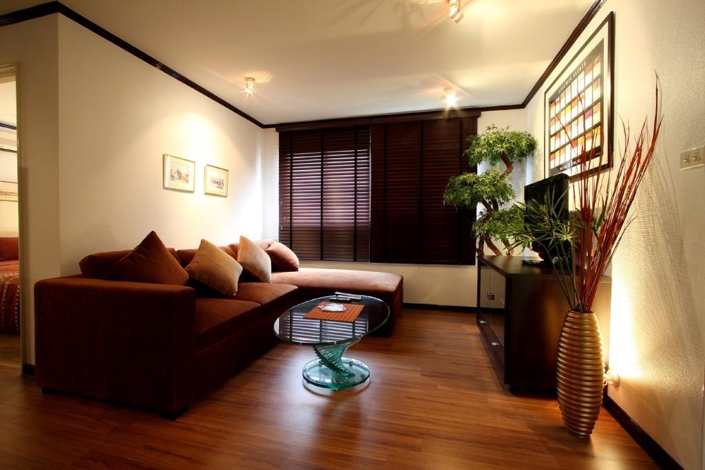 Bangkok CBD 2 Bedroom Apartment