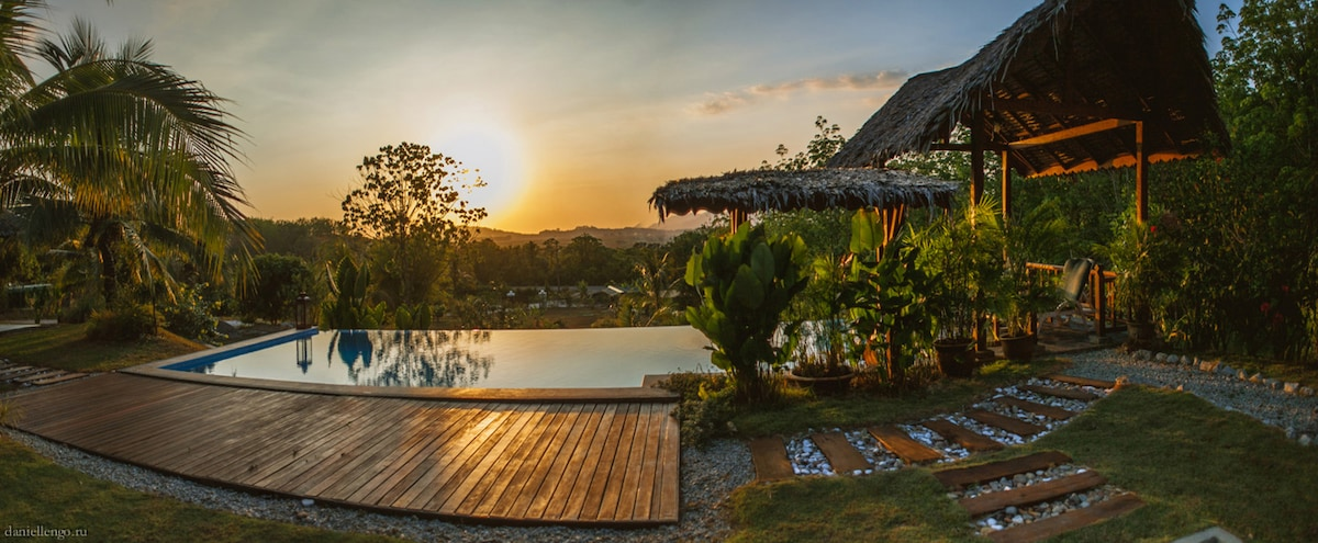 Alamanda Hilltop Villa-Amazing view