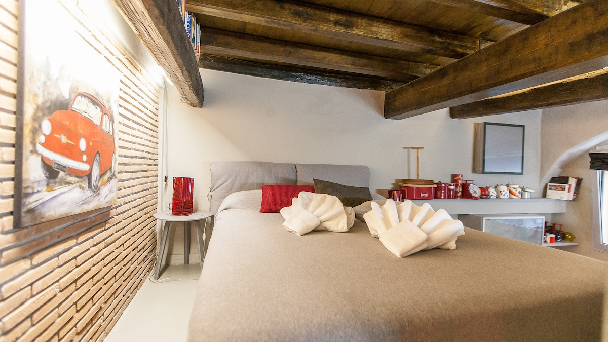 Cozy LOFT close to VIA DEL CORSO