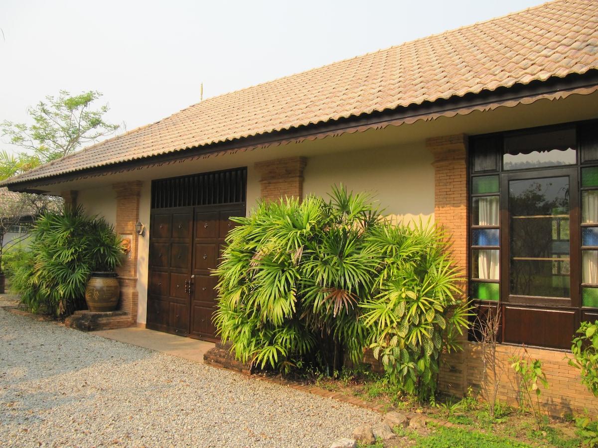 Paradise Villa (private pool)