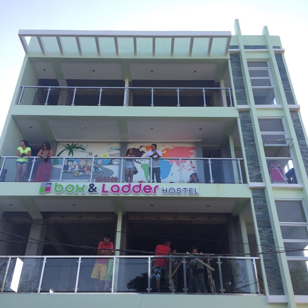 Boracay Box & Ladder Hostel