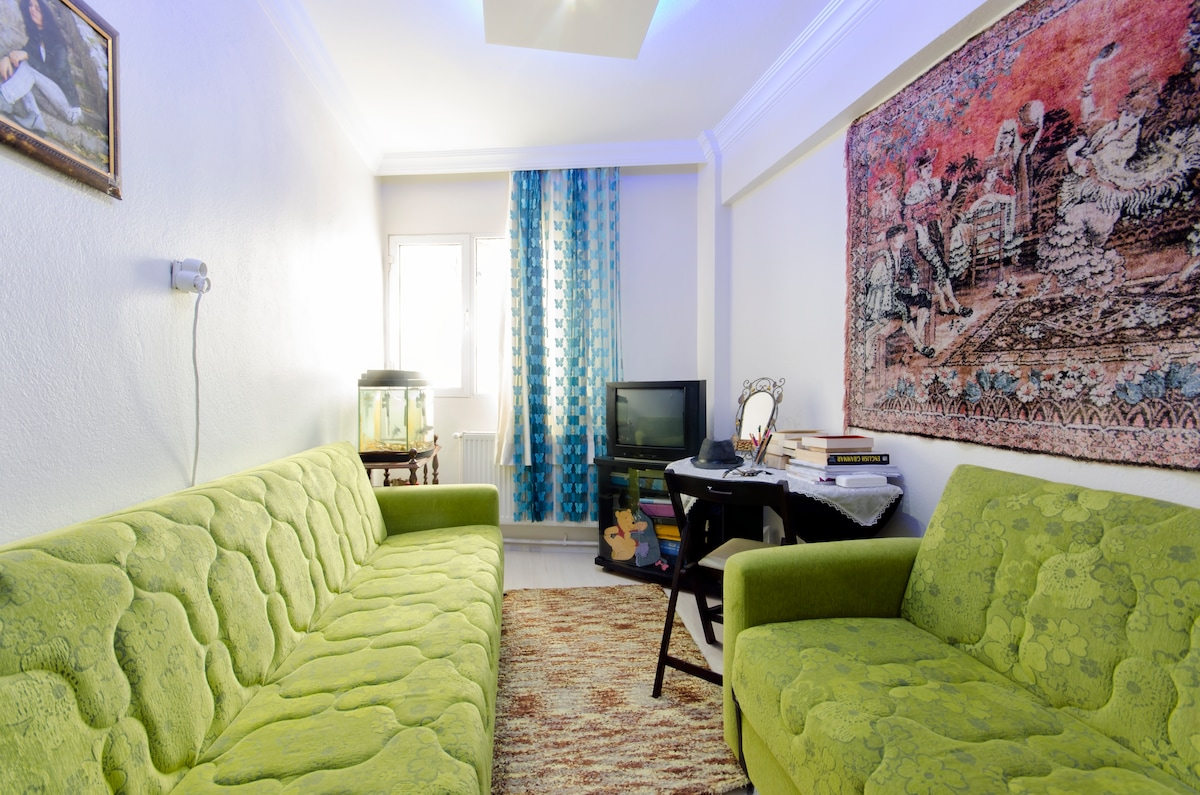 PRIVITE ROOM FOR SINGLES: This room especially is avaliable for a single person in comfort.