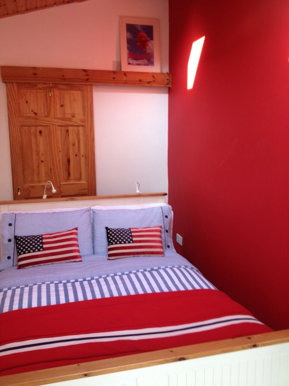 Cosy double ensuite beside the sea