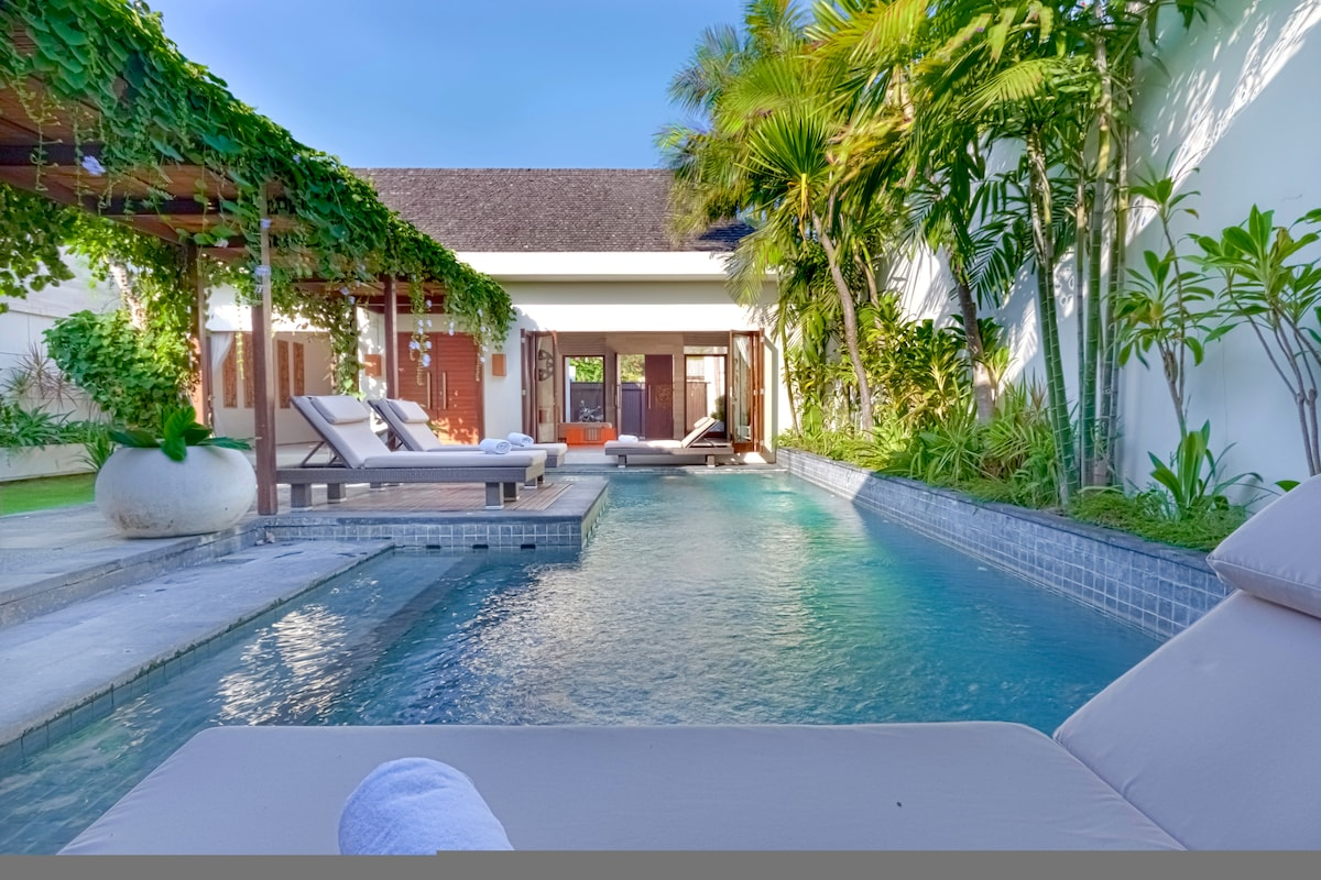 Spacious and Luxurious Stay in Bali