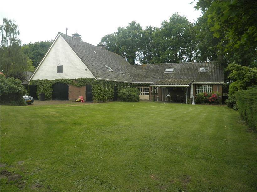 Farmhouse with heated pool