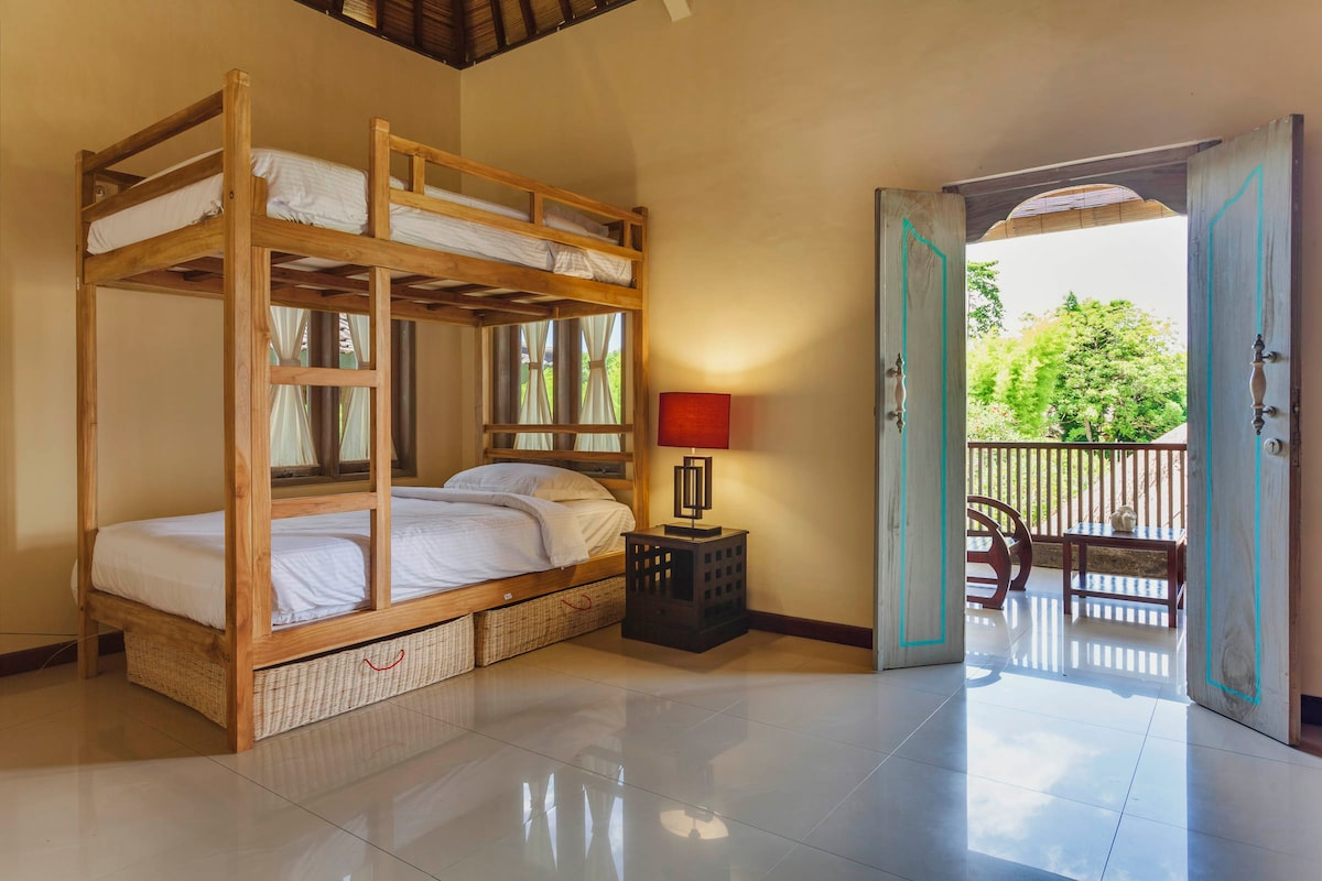 Dorm room @ Surf Hotel