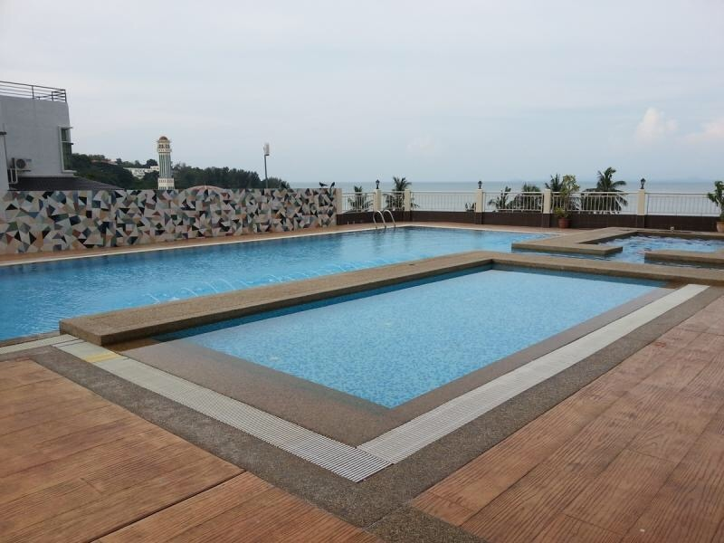 Cosy fully furnished sea view condo