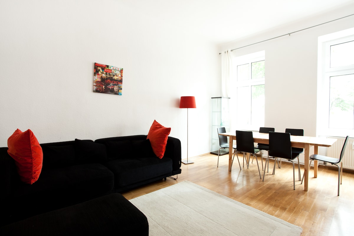 Cosy 60sqm flat in Kastanienallee