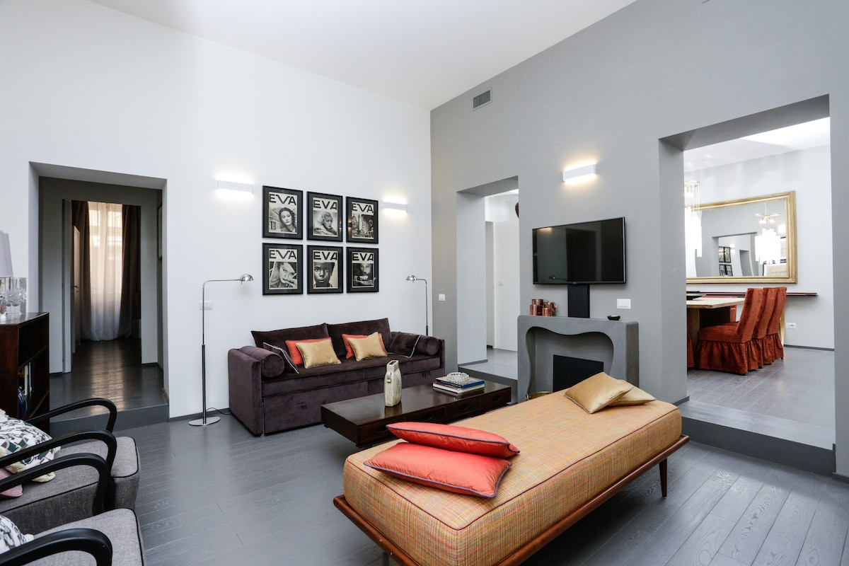 SPANISH STEPS DELUXE 3BR APARTMENT