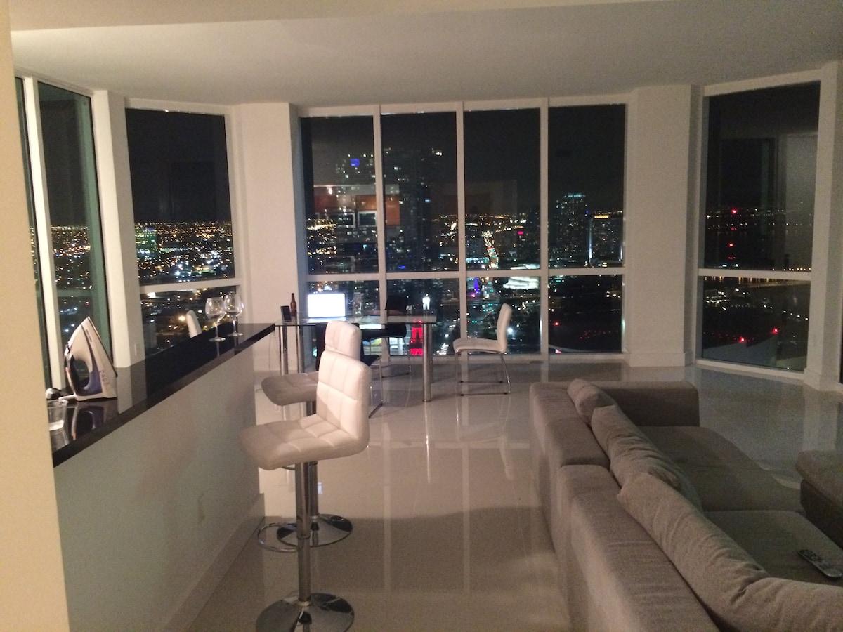 43rd Floor-Downtown Miami *Amazing*