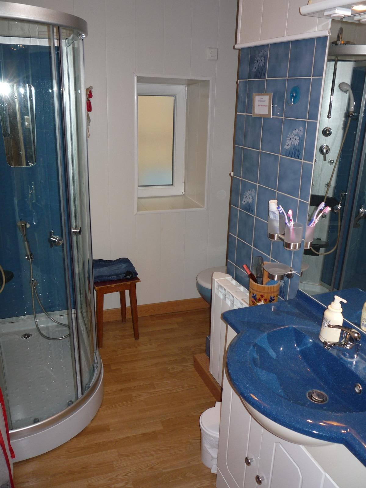 Salle de douche du 1er