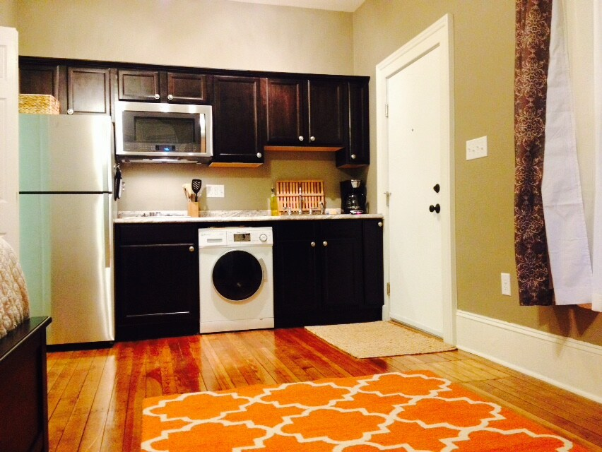 New Corporate Apartment Downtown!
