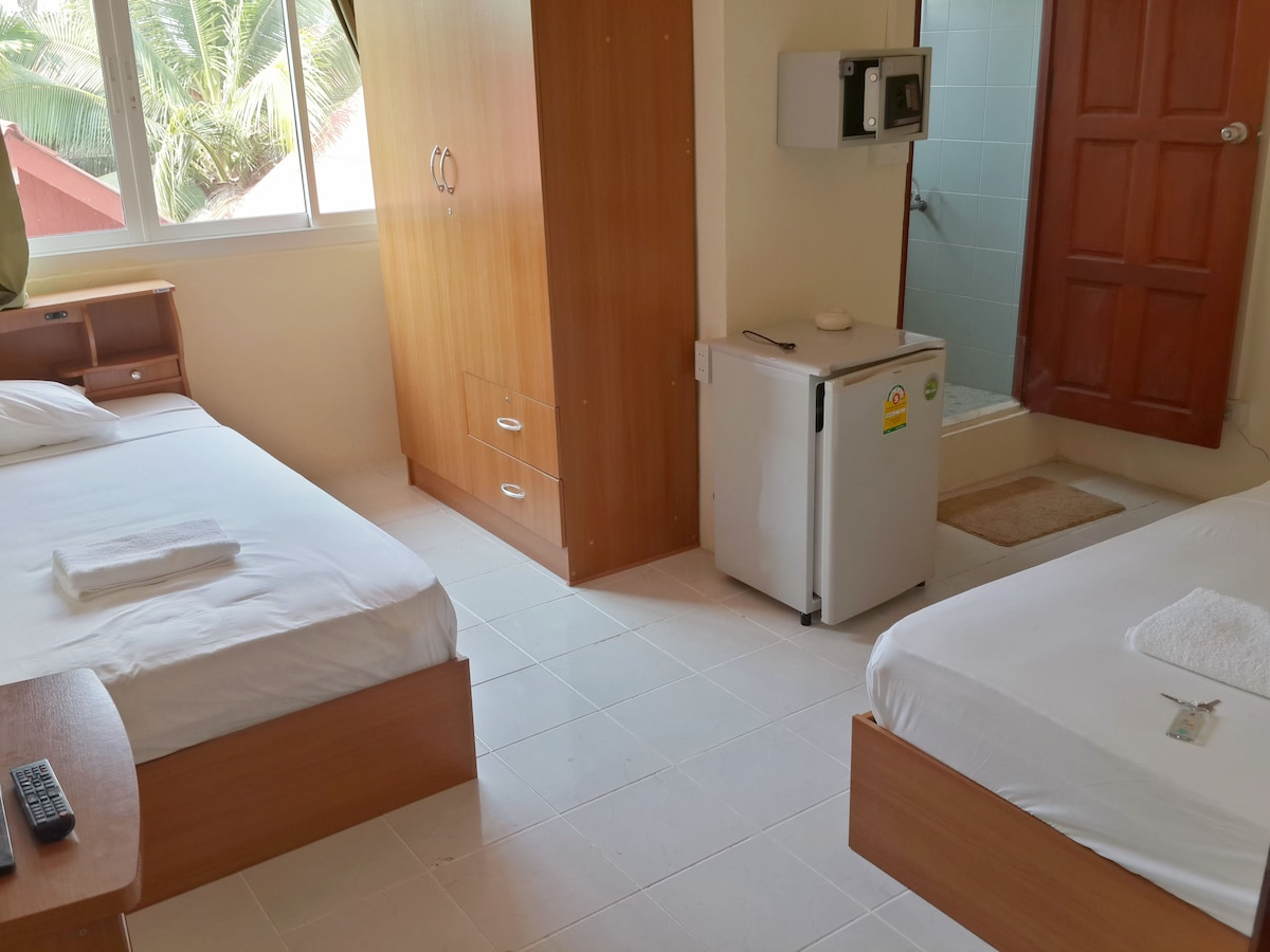 New BnB Near Beach 2 Single Beds