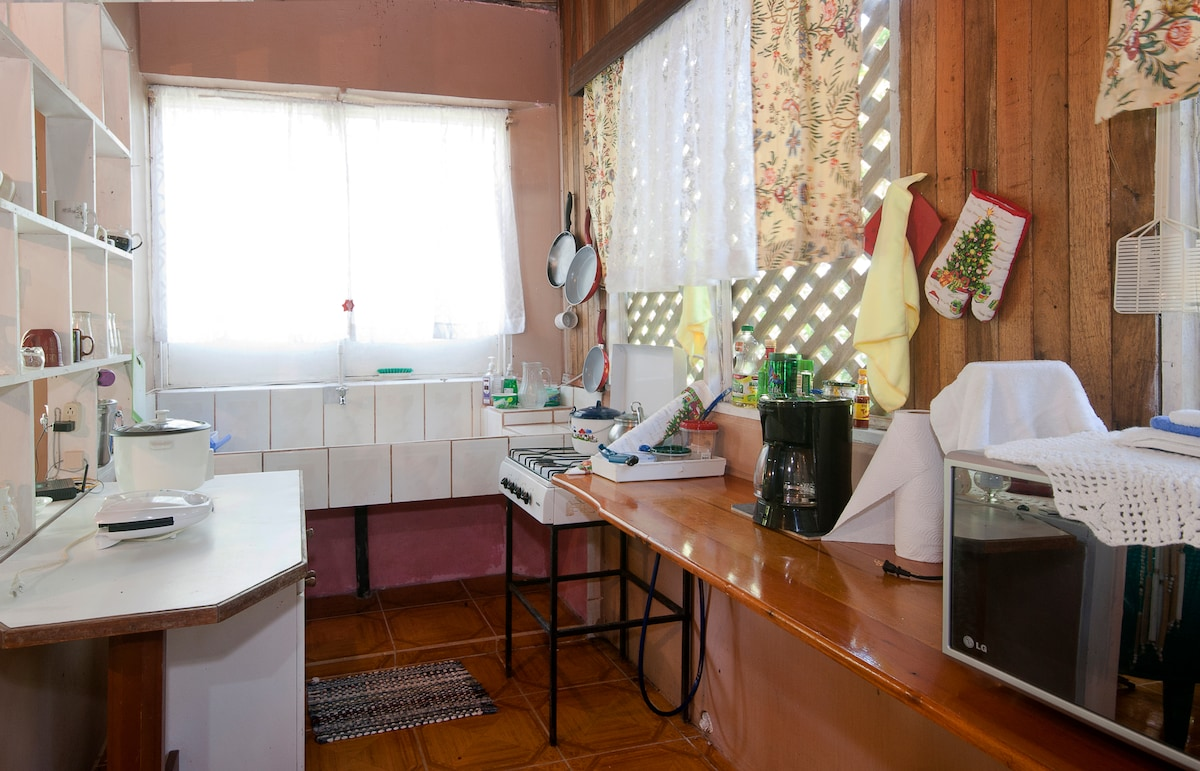 ... simple cozy kitchen....
