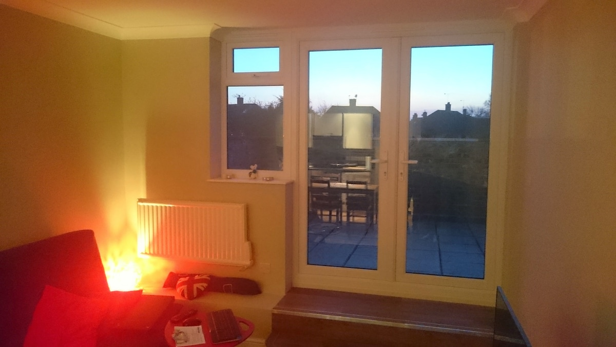 Big room SouthWest(40min to)London