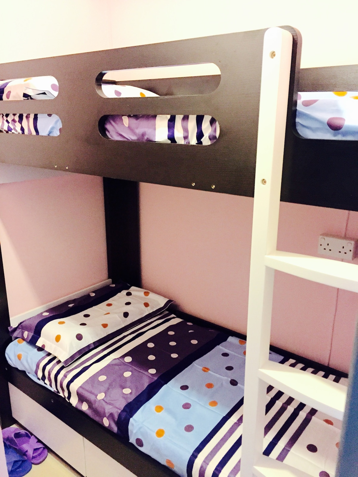 Bed (9)-CAlvin hostel @ Female only