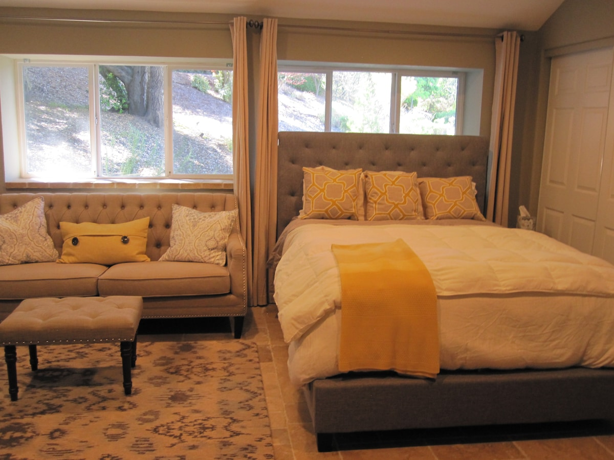 Inspired suite w/ outdoor perks