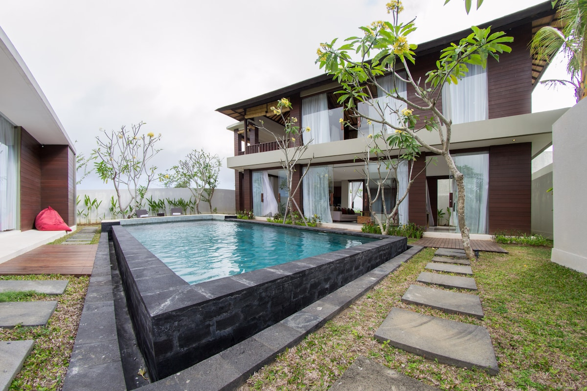 Oceanview villa with pool (3BR)