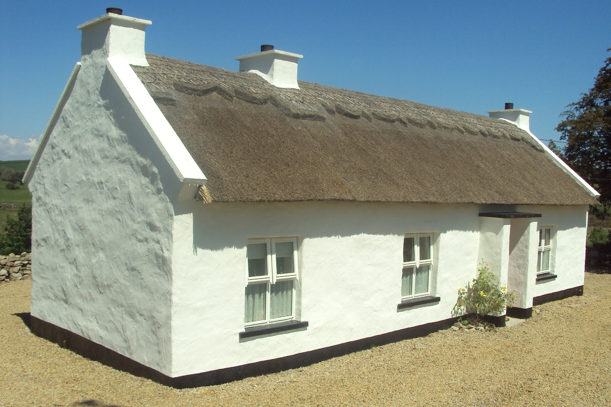 400 Year Thatched Cottage