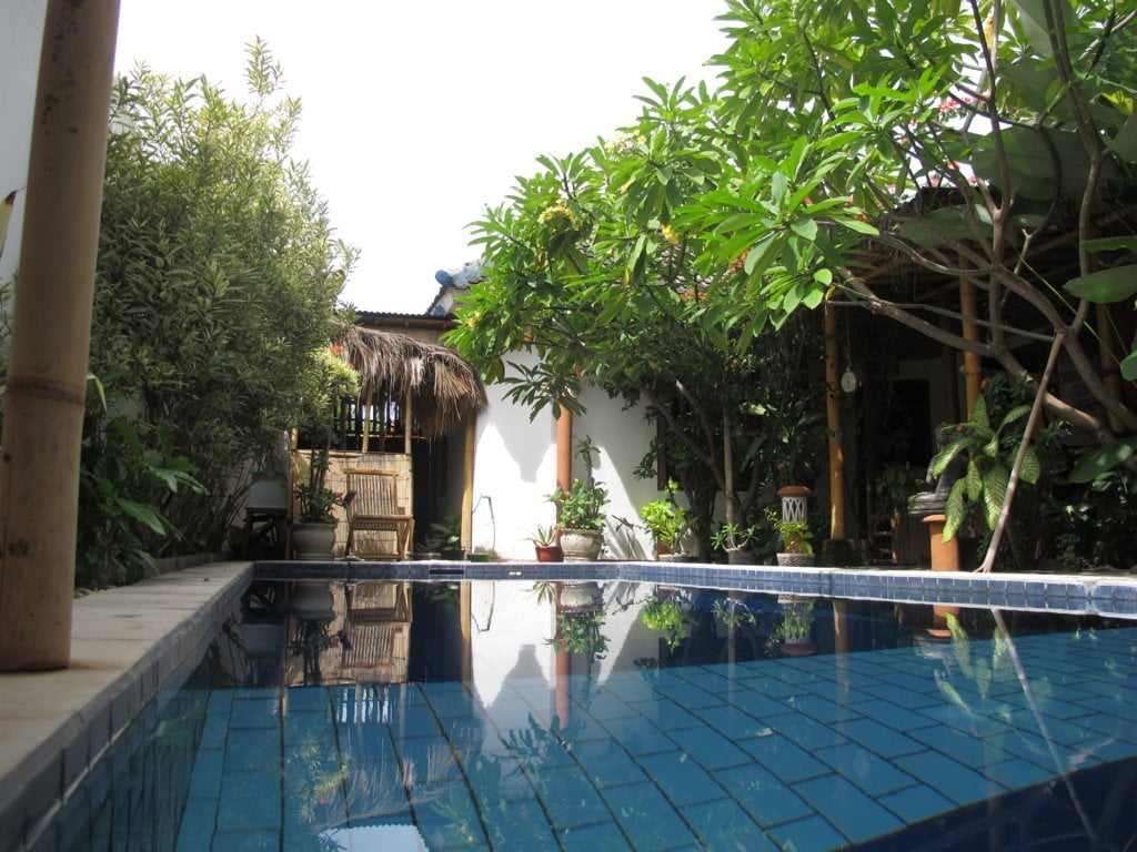 Room for rent In share villa
