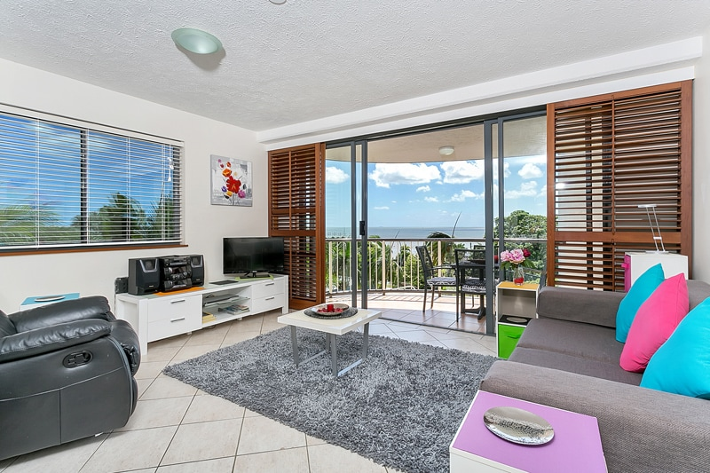 BEST LOCATION IN CAIRNS-Ocean Views