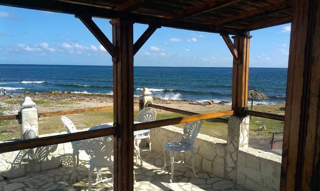 Candy House, Cojímar-Oceanfront